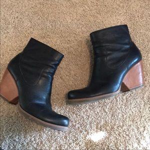 Kork-Ease black booties